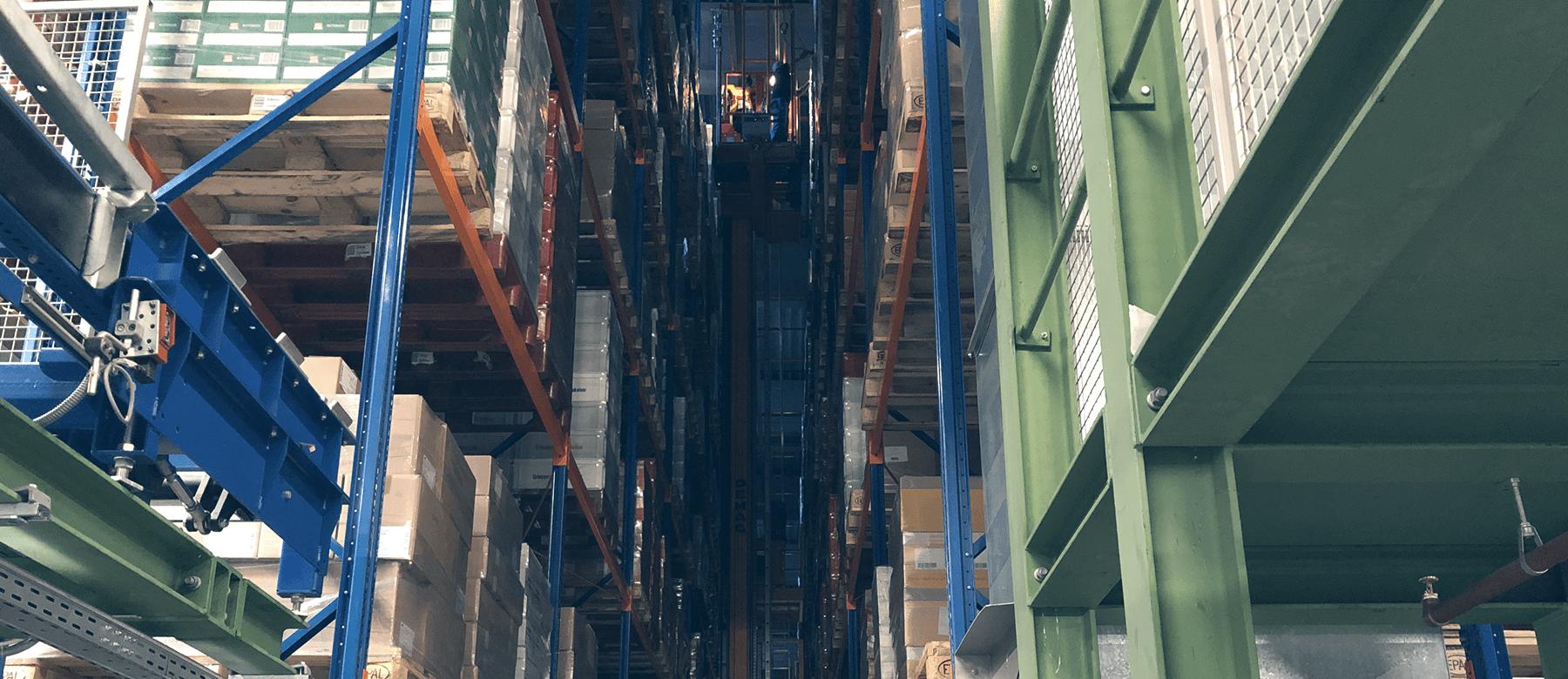 Industrieklettereinsatz im Hochregallager